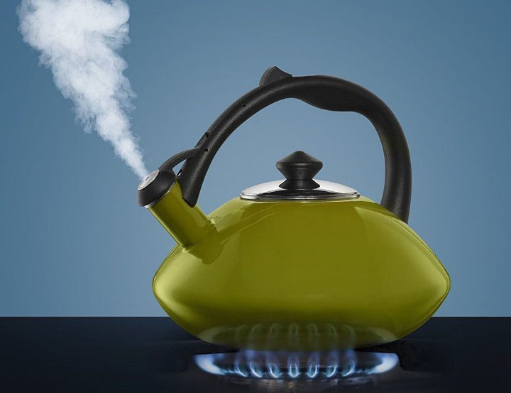 how to use tea kettle